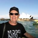 JimmyKeysInFrontOfSidneyOperaHouseAustralia